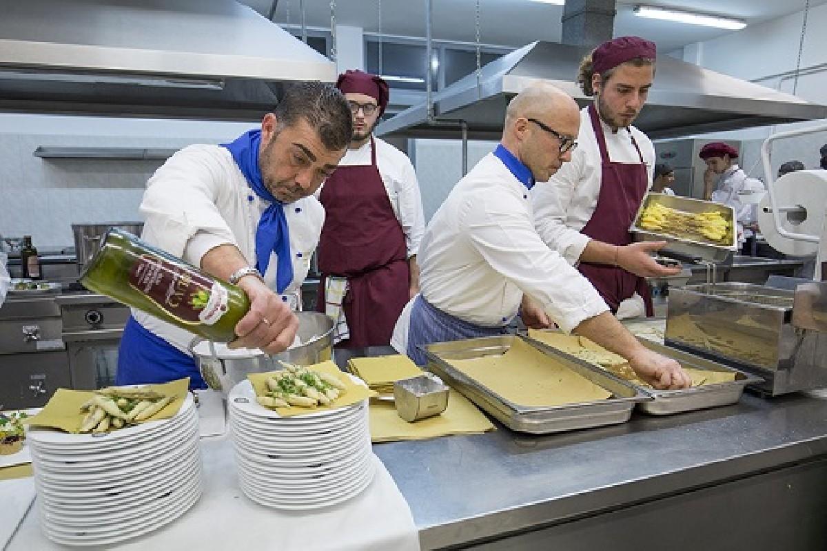 Otto premi alla quinta edizione di puglia a tavola - Puglia in tavola bitetto ...