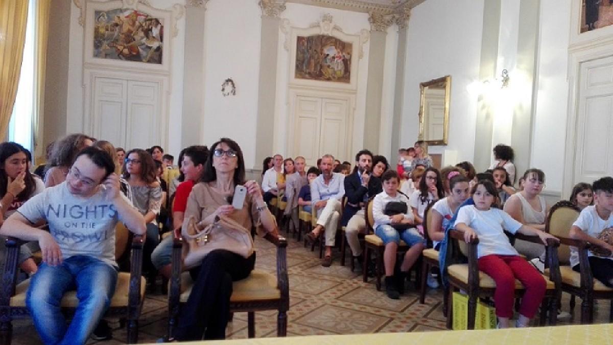 Premiati I Redattori Del Giornalino Scolastico I Cinque Petali