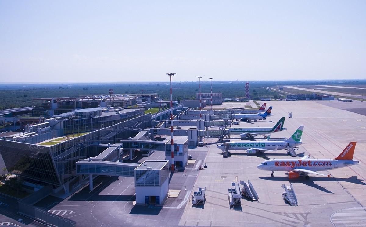 Aeroporto Bari : Crescita del numero dei passeggeri negli aeroporti di bari e brindisi