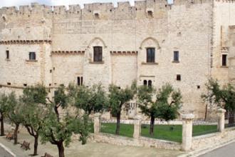 Mostra al Castello con immagini di Malavolta sulle migrazioni umane