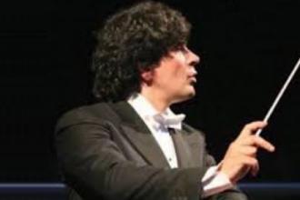 Il maestro Veronesi e il soprano Casucci con l'Orchestra di Lecce