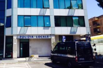 La Polizia locale adotta un'app per segnalare strade disconnesse