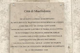 Comune affigge una targa in ricordo del pastificio D'Onofrio & Longo