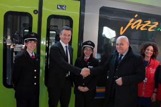 """Inaugurato il primo treno """"Jazz"""" per la tratta regionale"""
