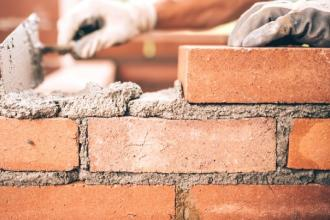 Detenuti conseguono il titolo di operatori di opere murarie