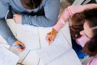 Per i giovani a rischio: borse lavoro e laboratori di formazione