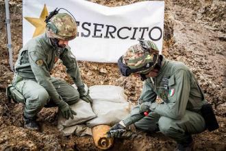 Esperti artificieri dell'Esercito hanno disinnescato la bomba
