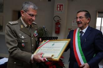 Cittadinanza onoraria al generale dell'Esercito salinaro