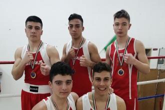 Giovani pugili vincono 4 ori e 1 argento al Torneo regionale