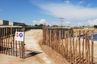 Cala Materdomini dotata di staccionata e accessi pedonali