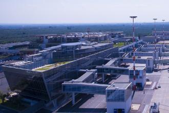 Nuove linee aeree da Bari e Brindisi per l'Italia e l'estero
