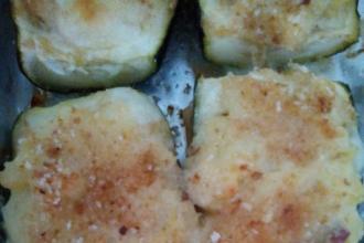 Zucchine ripiene di mozzarella e prosciutto