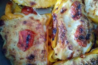 Peperoni ripieni di pane e uova