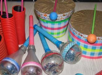 Lezioni per trasformare i rifiuti in strumenti musicali a percussione