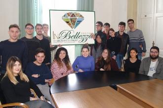 """I ragazzi del """"Galilei-Costa"""" organizzano un festival per la Bellezza"""