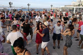 Il centro storico di Otranto, pista da ballo per lo swing