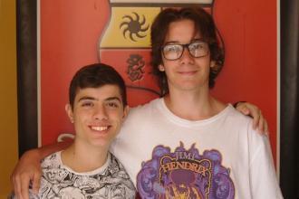 Due 14enni startupper del sito web per raccogliere corsi di formazione