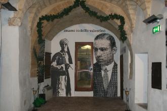 Il Museo Rodolfo Valentino ha un nuovo allestimento