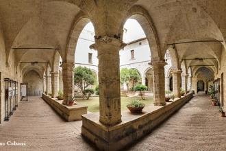 Una guida turistica non comune per raccontare Taranto