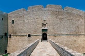 Castello e Palazzo Della Marra tra le mete della visita del Tci