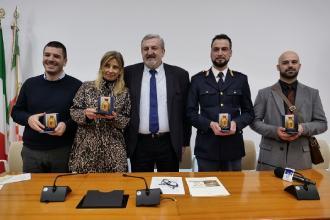 Quattro pugliesi ricevuti da Emiliano per aver dato onore alla Puglia
