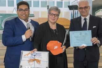 L'associazione genitori premia quattro famiglie tarantine