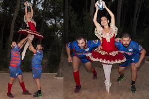 Atleti tarantini in posa per regalare attrezzi sportivi alle scuole